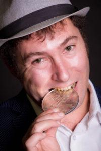 Pierre-Yves Scordia magicien lille nord close up anniversaire